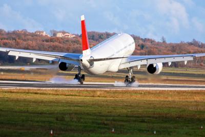 Guessing future aircraft value: optimistic, pessimistic and realistic scenarios