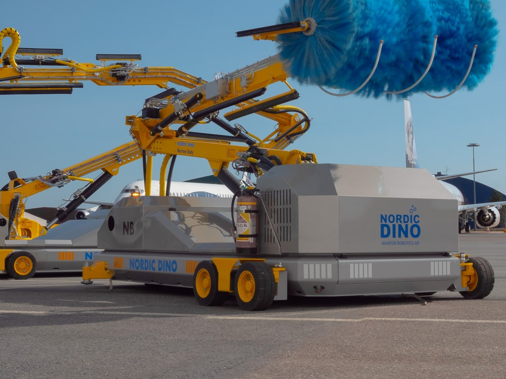 The cost-reducing benefits of robotised aircraft cleaning